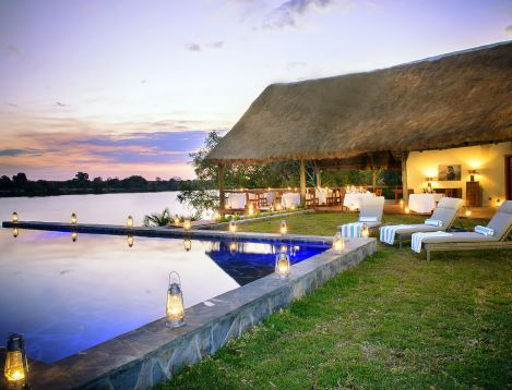 ZA-IlaLodge-Pool at twilight