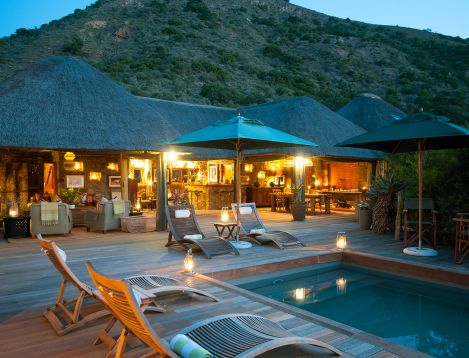 SA-EasternCape-Hillsnek-Main Lodge at Night
